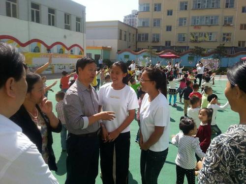 韩校长看望朔州就业的幼教学生